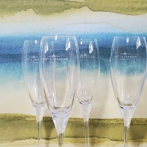 MOET & CHANDON Lot of 4 Champagne Fluted Glasses